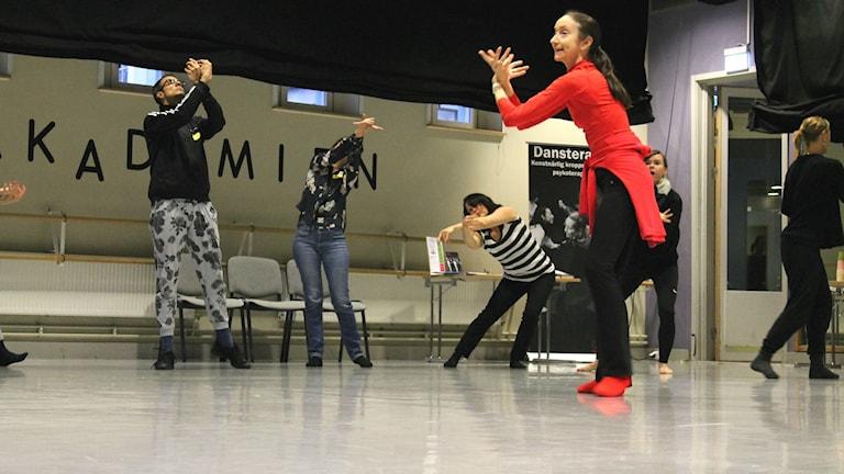 Dansaren och koreografen Clare Guss West jobbar numera med hälsa och dans.
