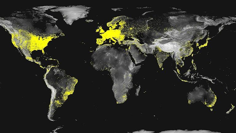 Karta över internetnätverk i världen 2012.