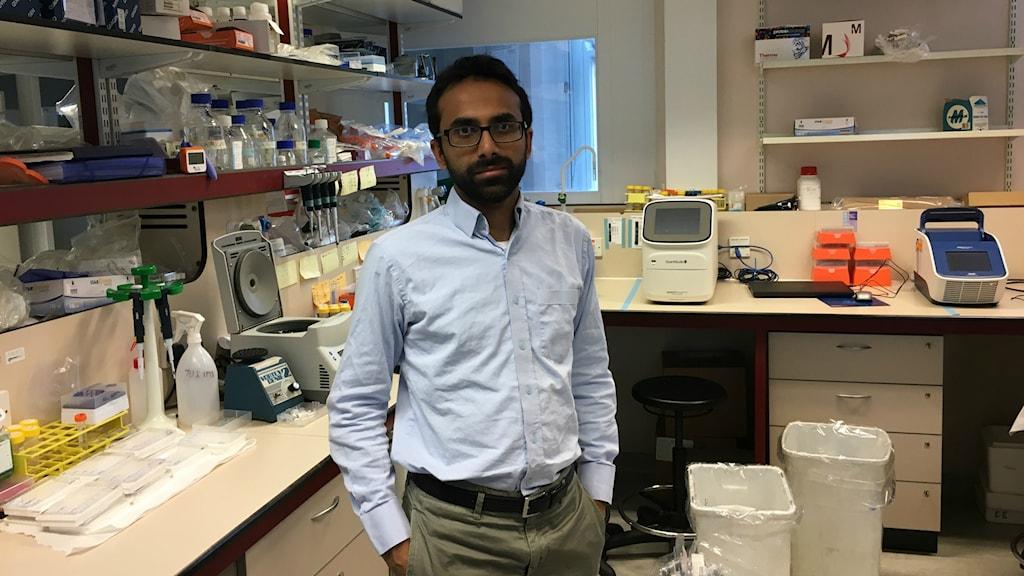Professor Ravindra Gupta vid University College London tror att resistent HIV kommer spela en allt större roll i epidemin.