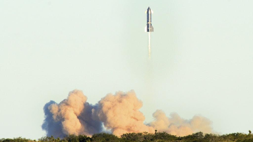 Testflygning av SpaceX raket Starship.
