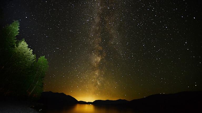 Vintergatan sedd från Glacier National Park i USA.
