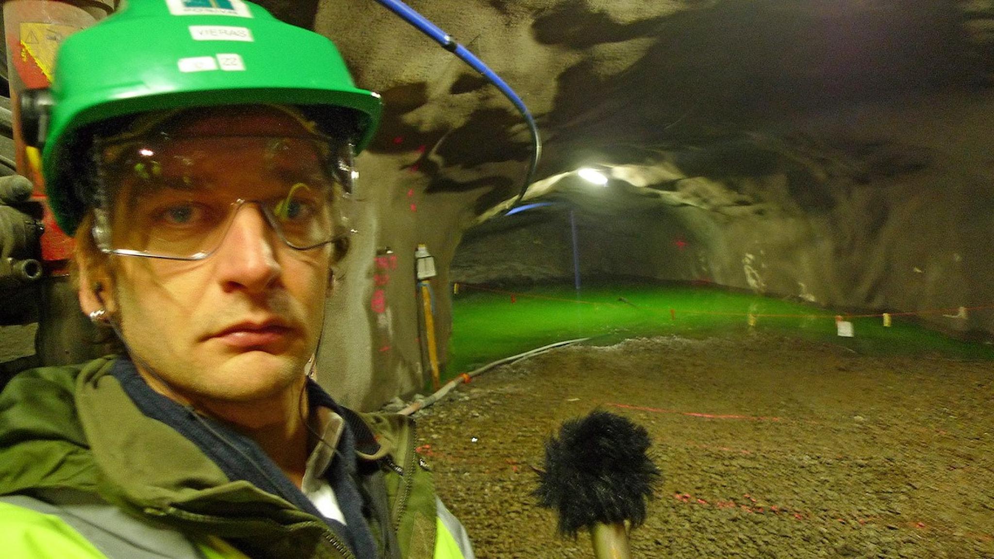 Marcus Hansson nere i Onkalo – Finlands framtida slutförvar för atomsopor. Foto: Sveriges Radio