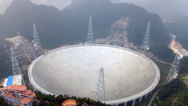 enormt radioteleskop,