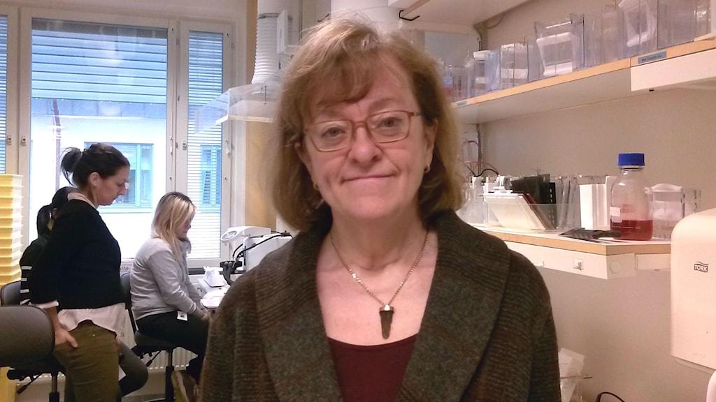 Lena Claesson-Welsh är professor vid Institutionen för immunologi, genetik och patologi vid Uppsala universitet, och även ledamot i Kungliga vetenskapsakademien.
