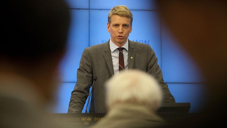 """Finansmarknads- och konsumentminister Per Bolund (MP) välkomnar """"nudging"""". Foto: Miljöpartiet"""