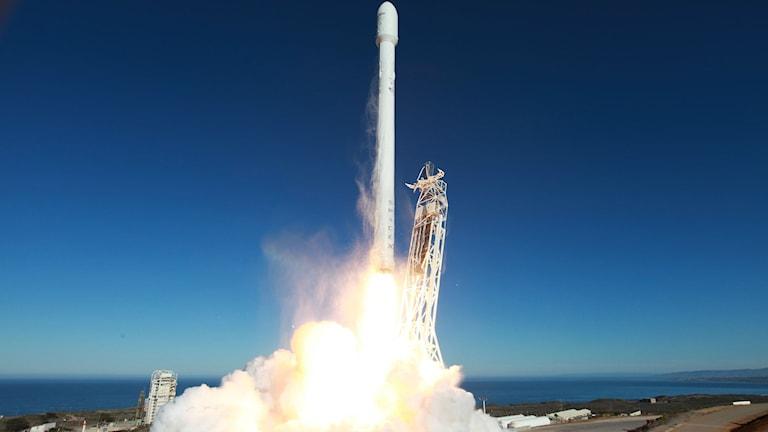 raket skjuts upp