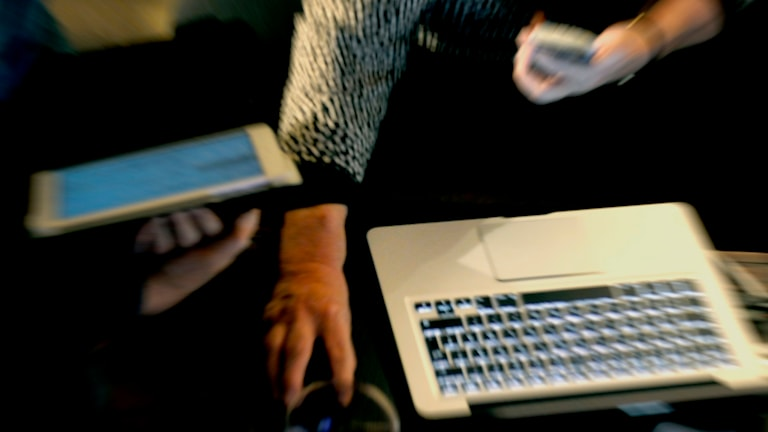 Mobil, dator, surfplatta. Foto: Hasse Holmberg/TT