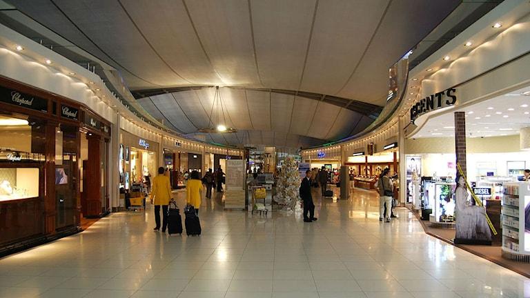 shoppingområde på flygplats