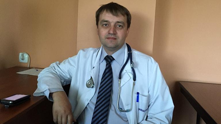 Professor Fedir Labii chefsimmunolog Kiev. Foto: Johan Bergendorff / Sveriges Radio