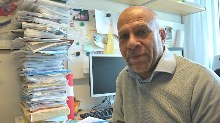 Nazar Akrami, lektor i psykologi vid Uppsala universitet. Foto: Niklas Zachrisson/Sveriges Radio