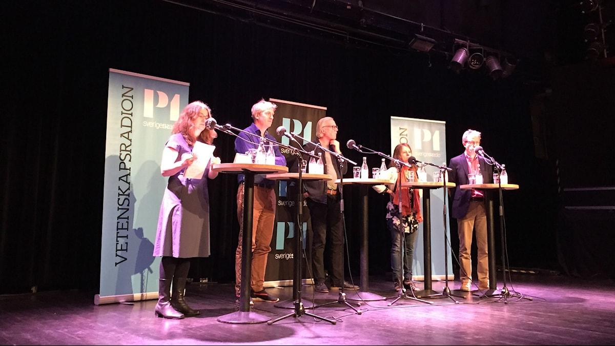 Diskussion på scenen