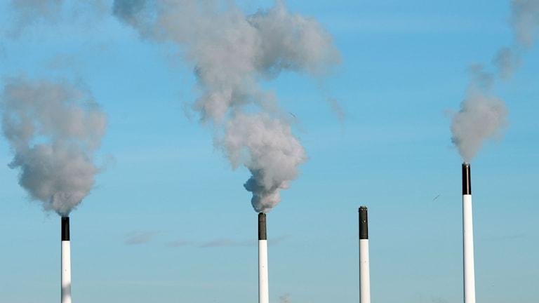 Utsläpp från skorstenar. Foto: Johannes Jansson/Wikimedia Commons/CC2.5