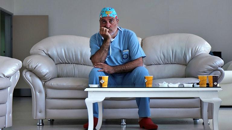 Paolo Macchiarini i soffa. Foto: Lars Granstrand/SVT