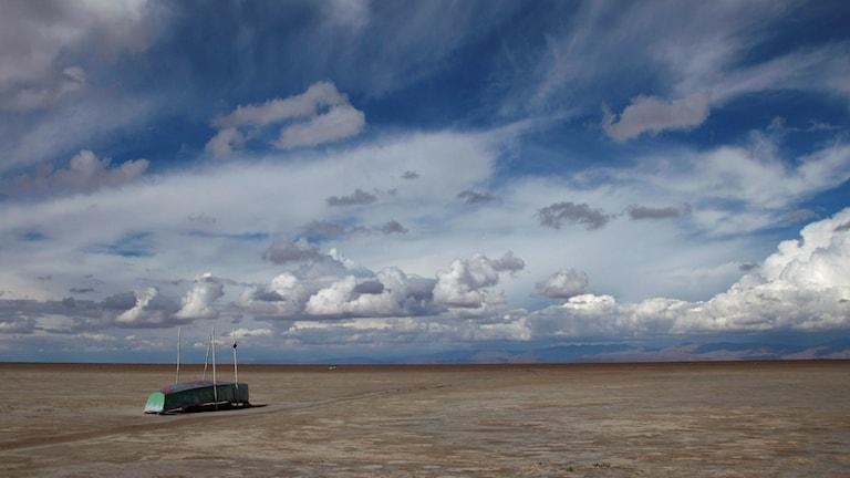 Båt övergiven i det som en gång var en sjö