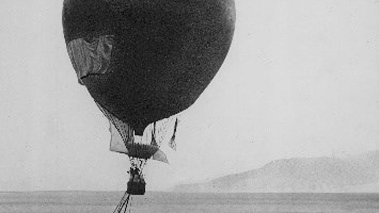 Gammal bild på Ballongen som Andrée-expeditionen använde.