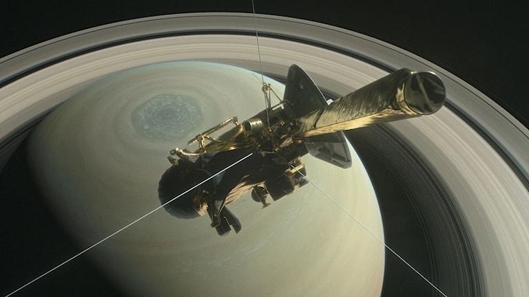 Illustration av rymdsonden Cassini på väg att utforska Saturnus ringar.
