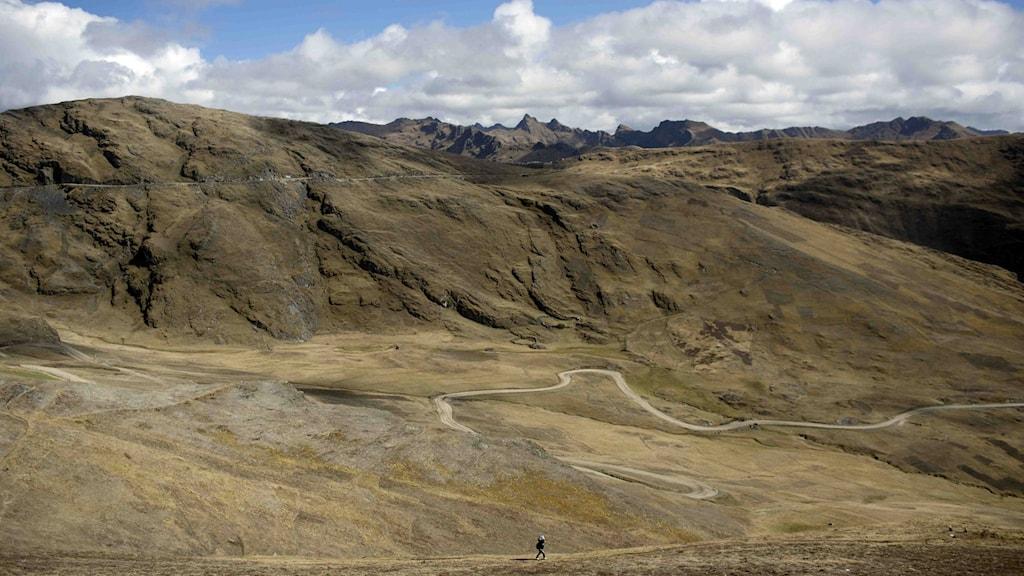 Bergigt kargt landskap i Peru.