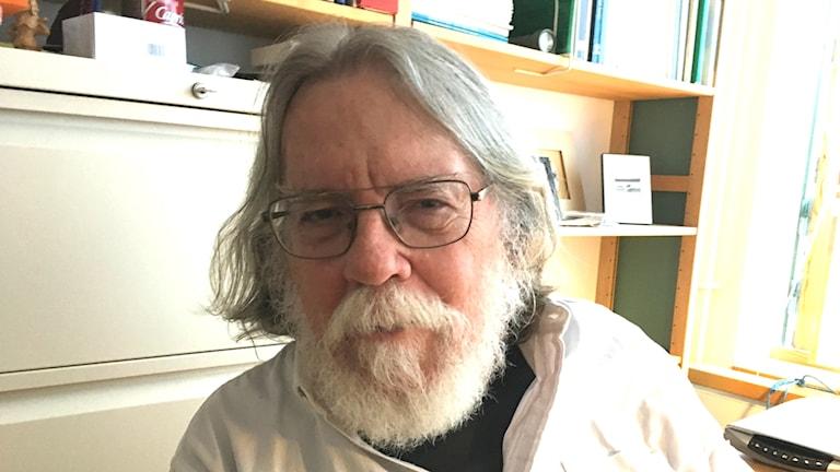 Patrick Crill är mycket skeptisk till resultaten om metan som den grupp som professor Örjan Gustafsson ingår i har redovisat.