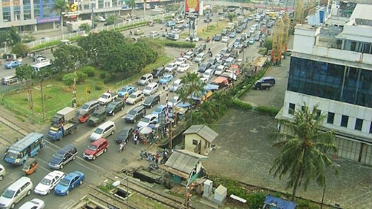 Många bilar i kö
