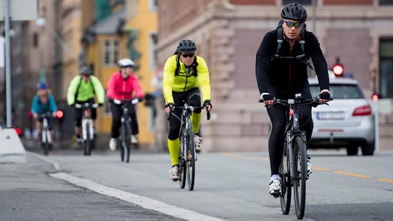 cyklister på rad