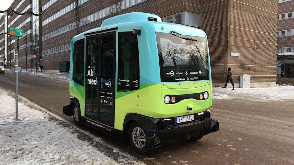 självkörande buss för 12 passagerare