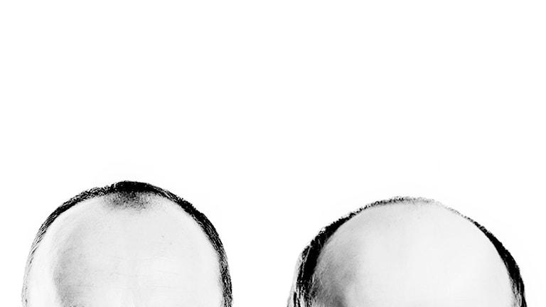 Två flintiga manliga huvuden