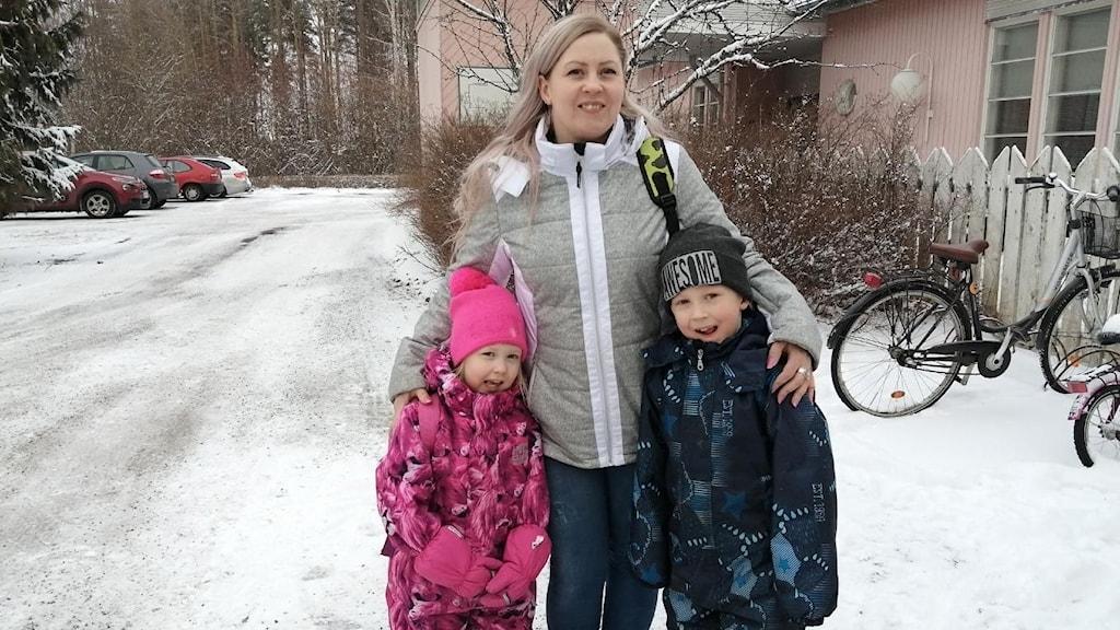 Förälder med barn på Joupin Päiväkoti förskola i Seinäjoki