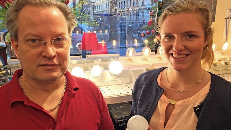 Peter Huselius och Julia Asplund i butik
