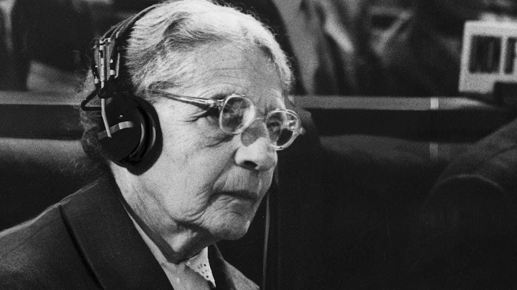 Vetenskapskvinnan Lise Meitner vid FN:s konferens för fredlig användning av kärnenergi.