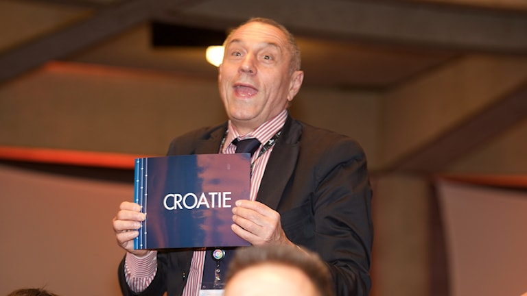 """Kroatiens representant röstar """"ja"""" till ny definition av kilot."""