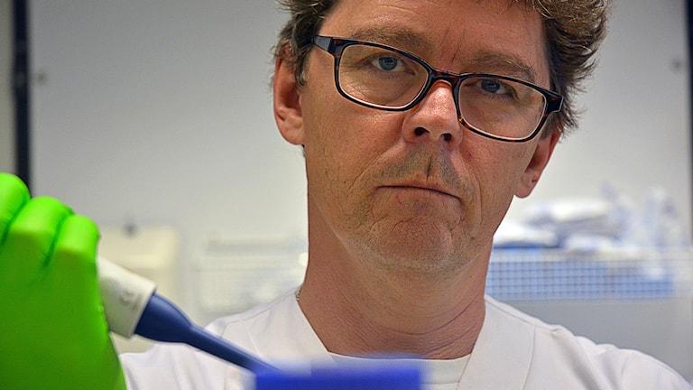 Adam Linder, infektionsläkare och sepsisforskare.