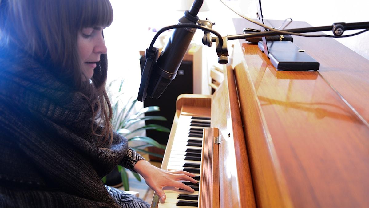 Jennie Abrahamsson i Musikguiden i P3 Dyker upp