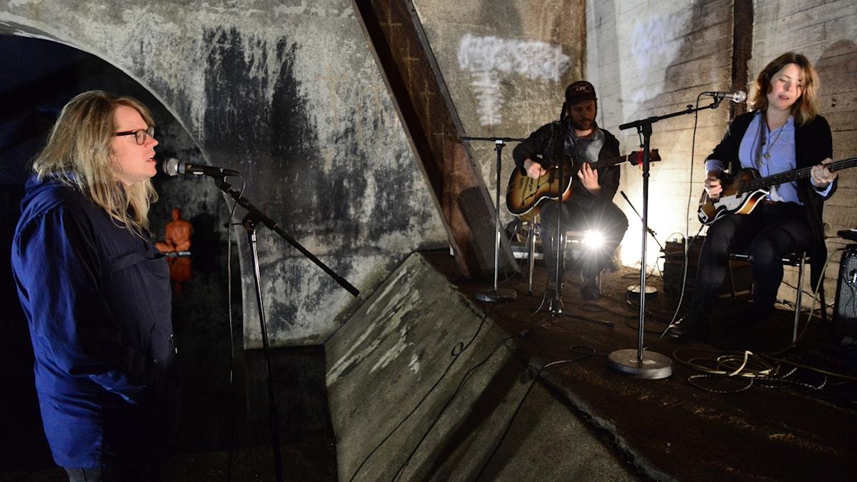 Jonas Bergsten dyker upp i en gammal turbin utanför Umeå