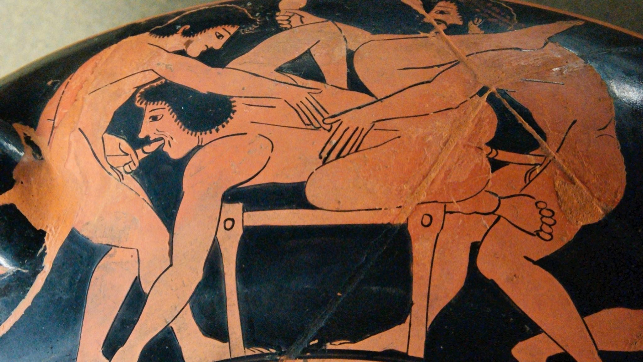 Erotisk scen från grekisk dryckesbägare från 500-talet f Kr.