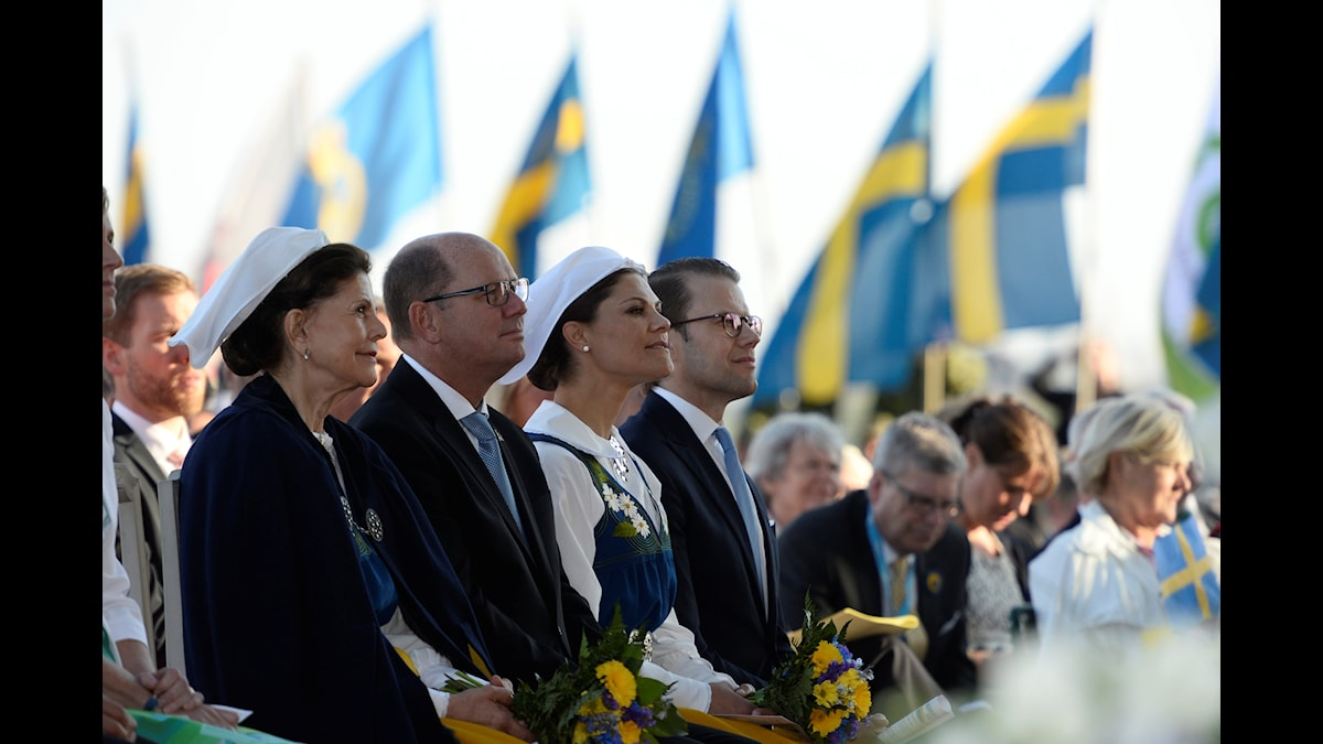 Kungafamiljen alltjämt i fokus på den 100-åriga flaggdagen.