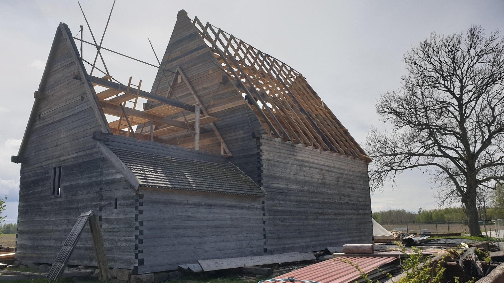 Södra Råda kyrka våren 2020.