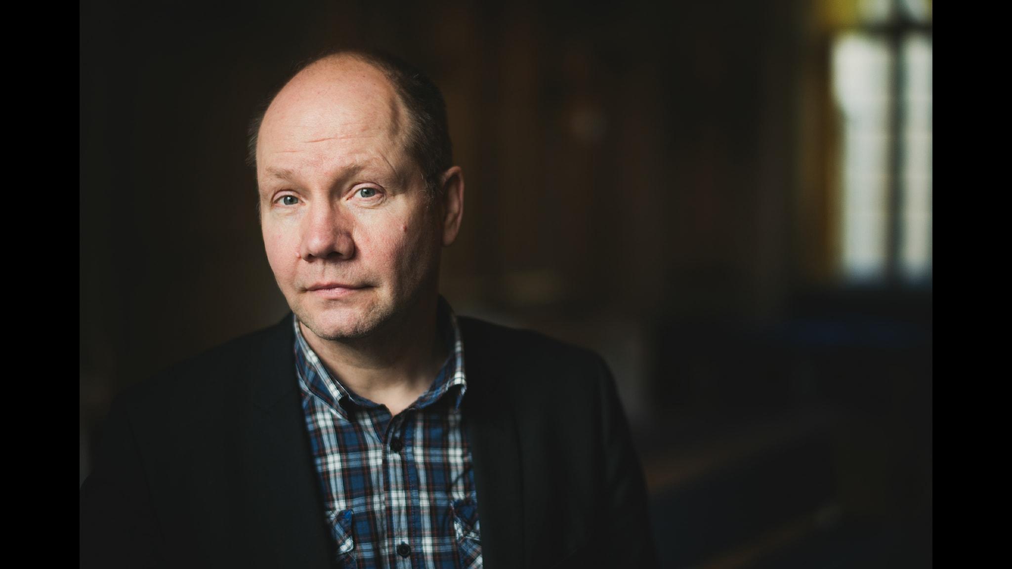 Peter Englund är aktuell med andra delen i sin första världskrigsserie. Foto: Alexander Mahmoud