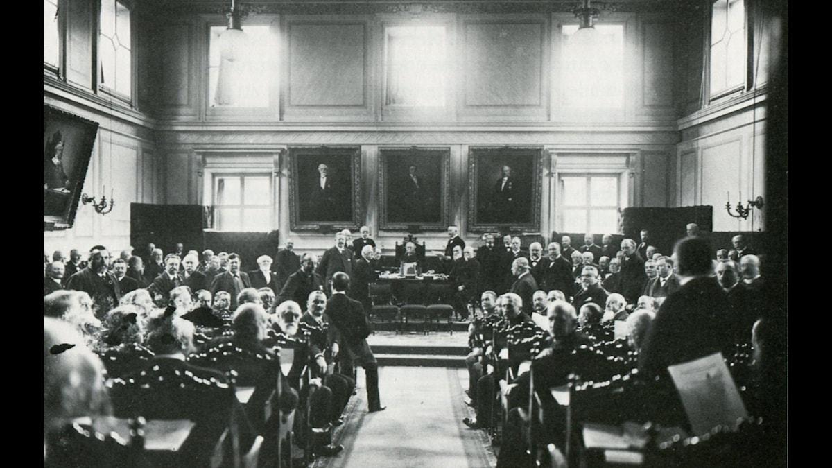 Första Kammaren i gamla riksdagenshuset år 1900. Foto: Stockholms stadsmuseum