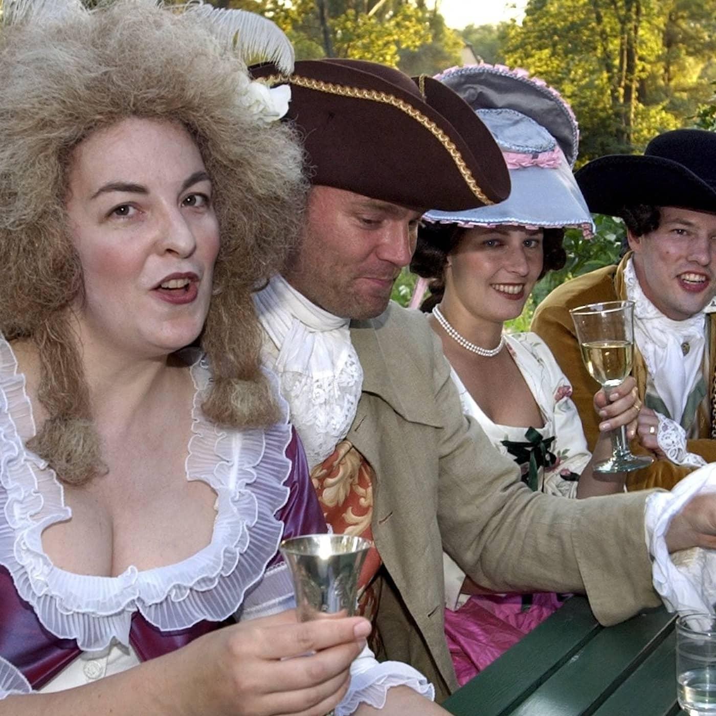 Maskeradbalerna var 1700-talets frirum
