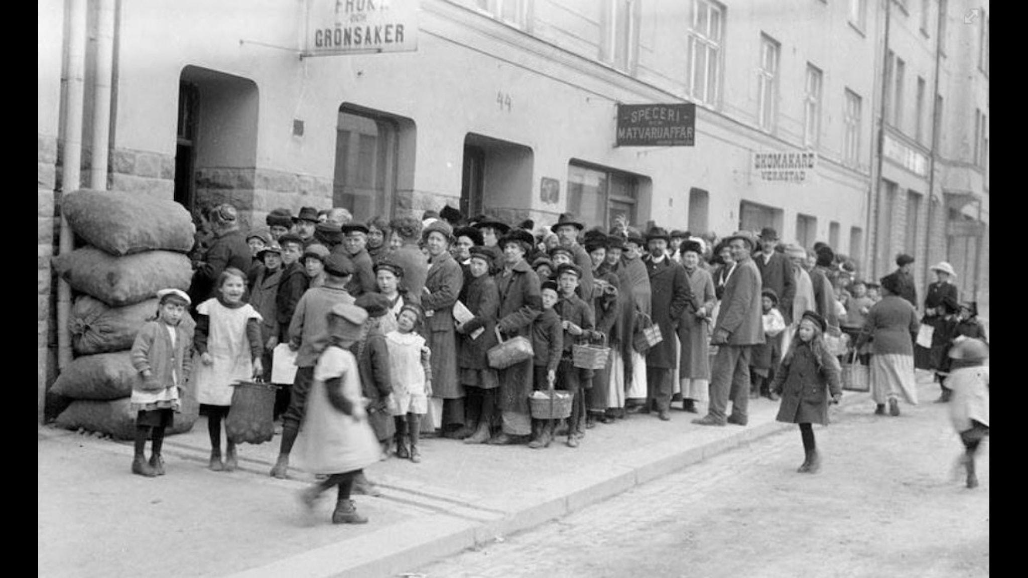 Potatiskö på Södermannagatan i Stockholm 1917.