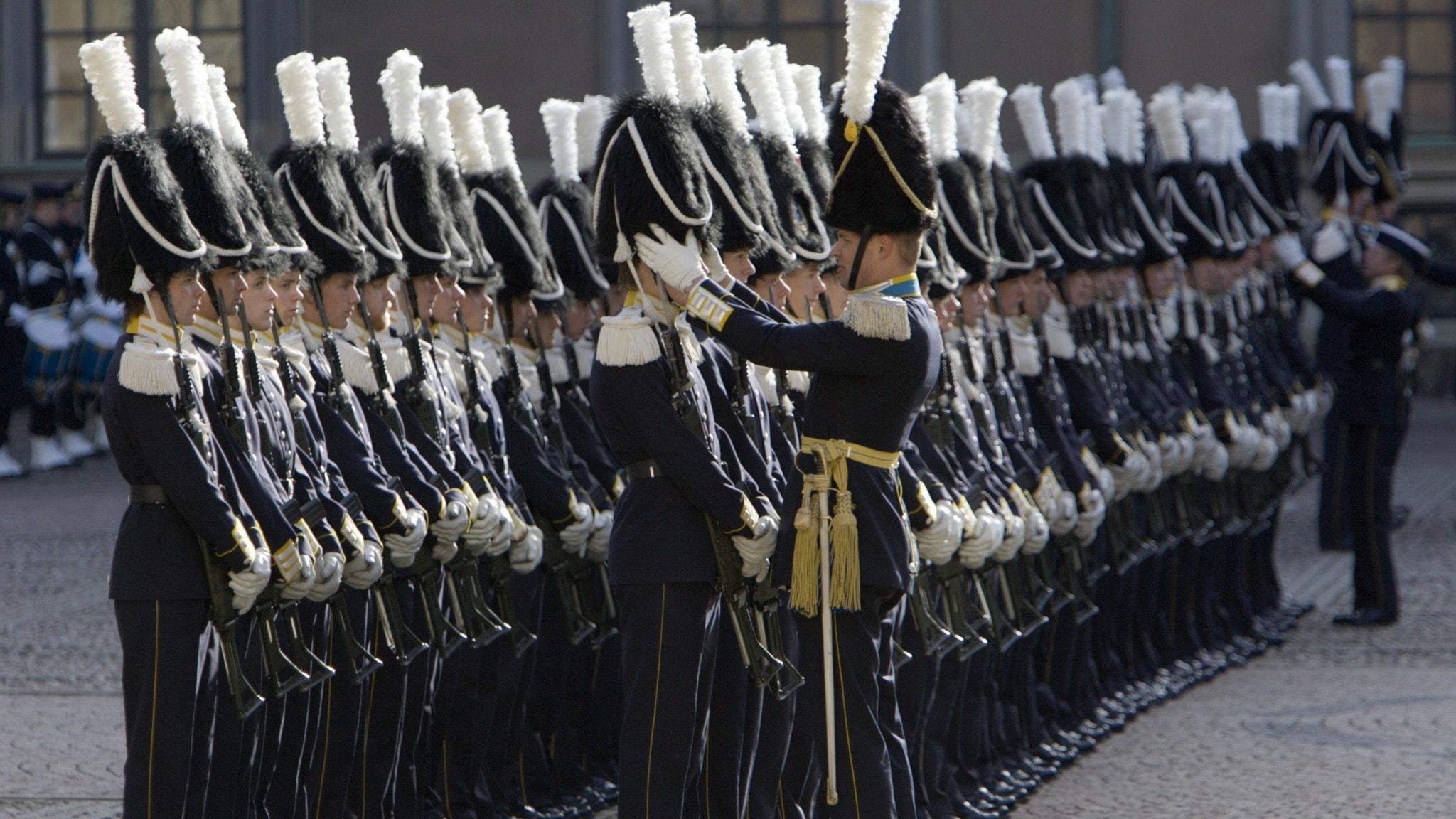 Livgardet ställer upp inför statsbesök 2007.