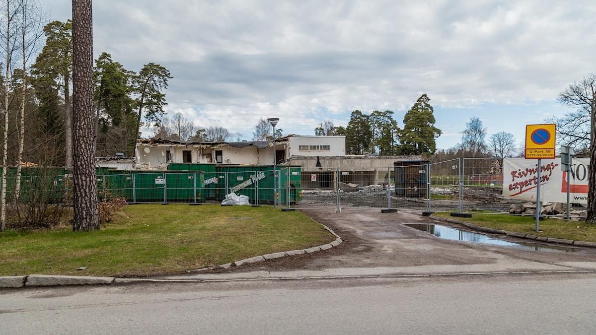 Delar av Ulleråkers mentalsjukhus som redan rivits.