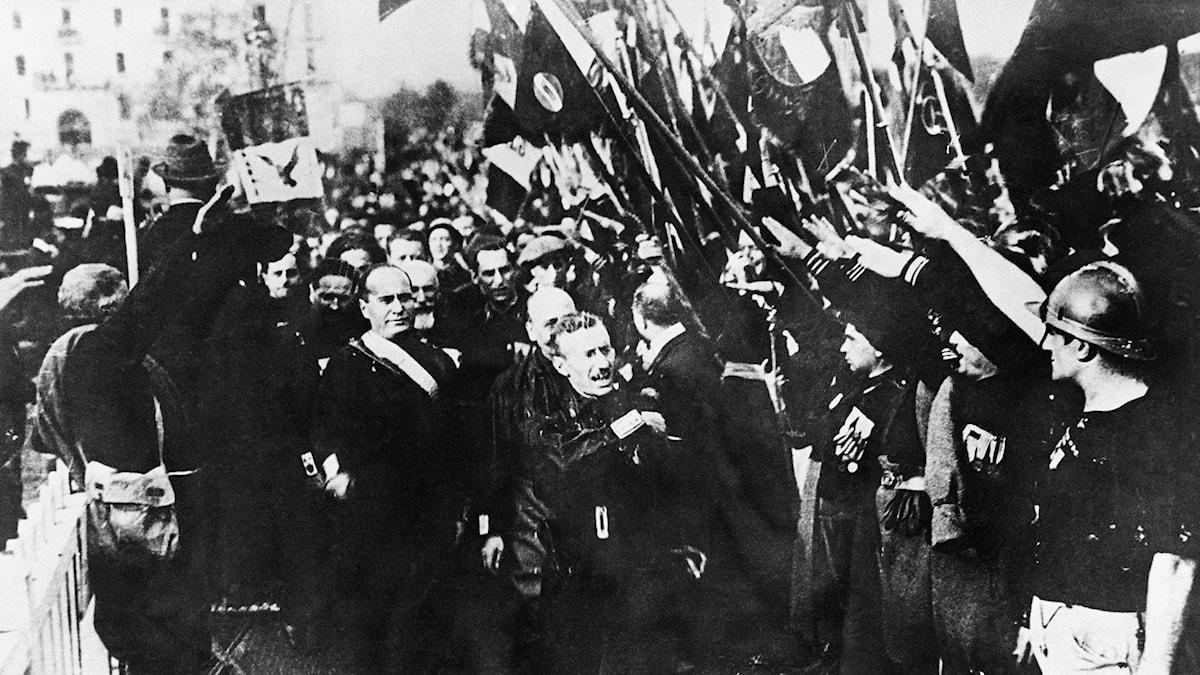 Mussolini marscherar mot Rom 1922.