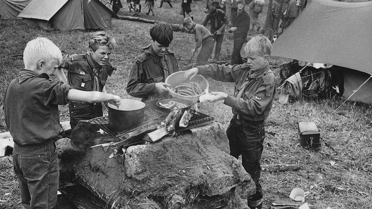 Scouter på Eknön 1965.
