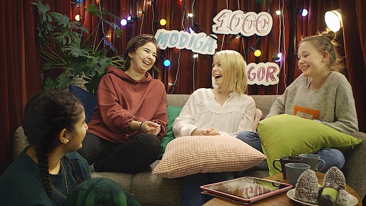 Nya tjejpanelen består av: Karin Yaro, Antonia Lindholm och Saga Lindroth. Veckans gäst är Lakidoris.