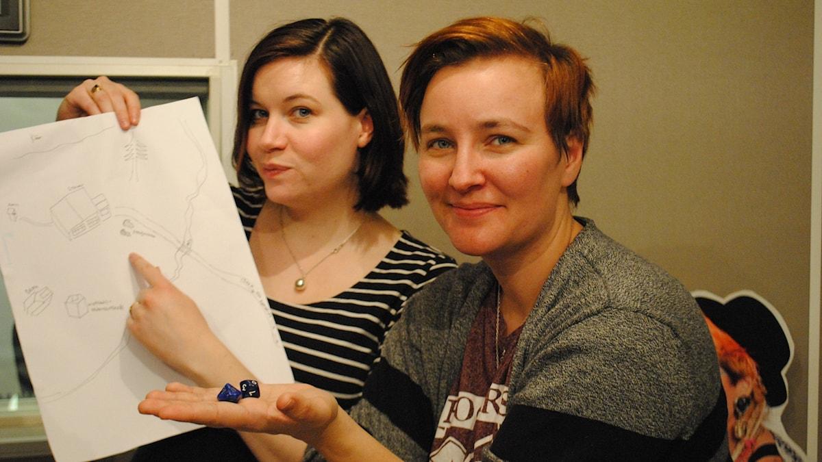 Angelica och rollspelsexperten Anna-Karin Linder.