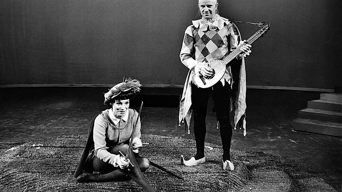 Ingrid Thulin och Ingvar Kjellson i Shakespeares pjäs Trettondagsafton 1962. Foto: Olle Ohlsson / SCANPIX