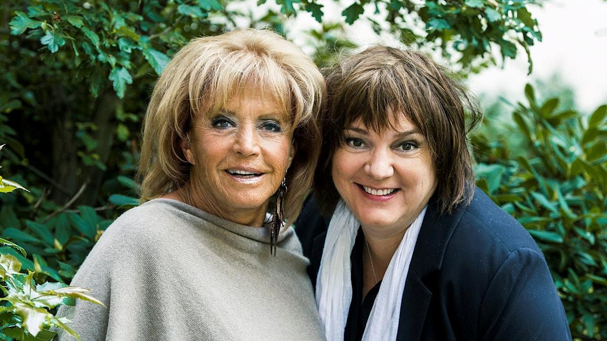 Bild på Lill-Babs och Lotta Bromé.