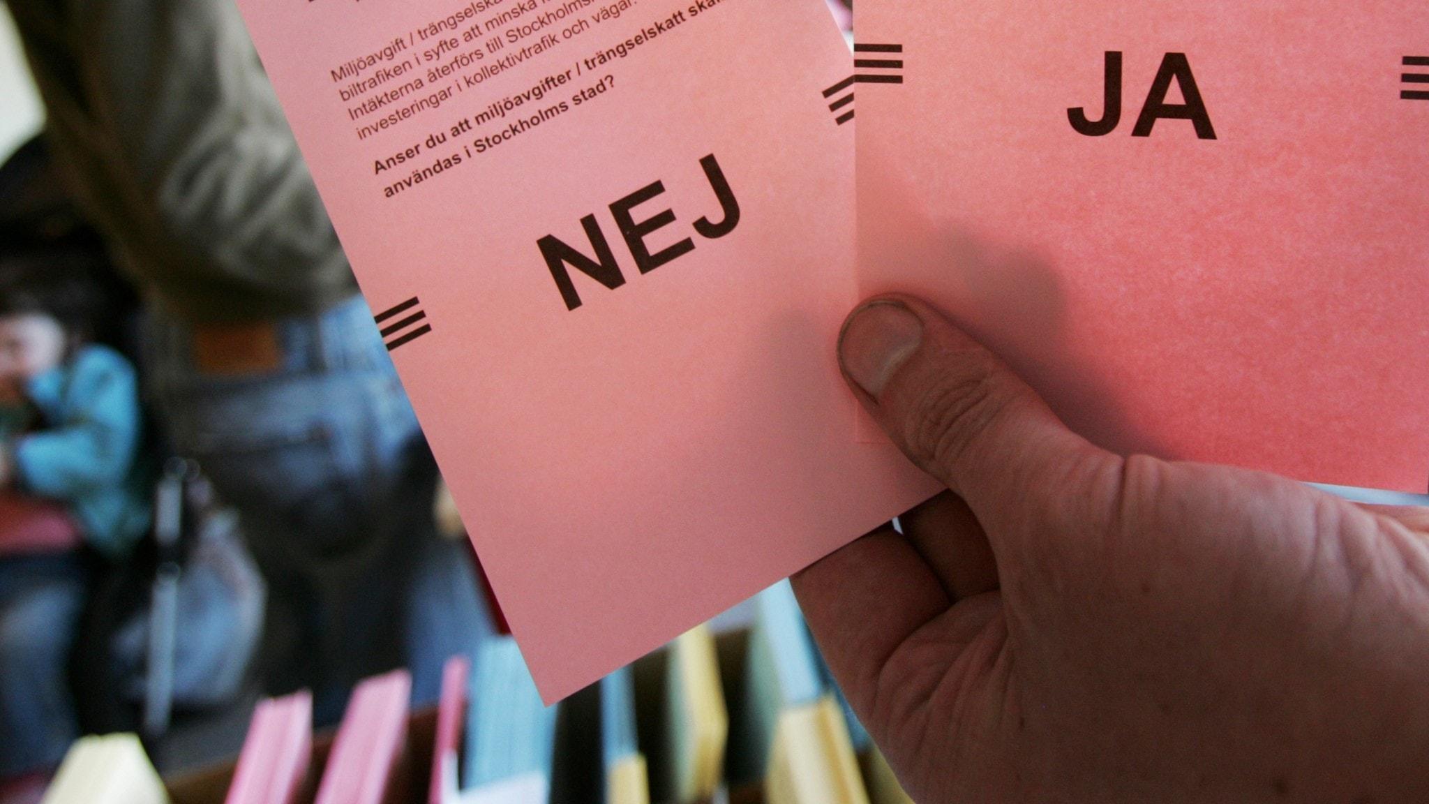 Bilden föreställer röstsedlar med ja och nej alternativ
