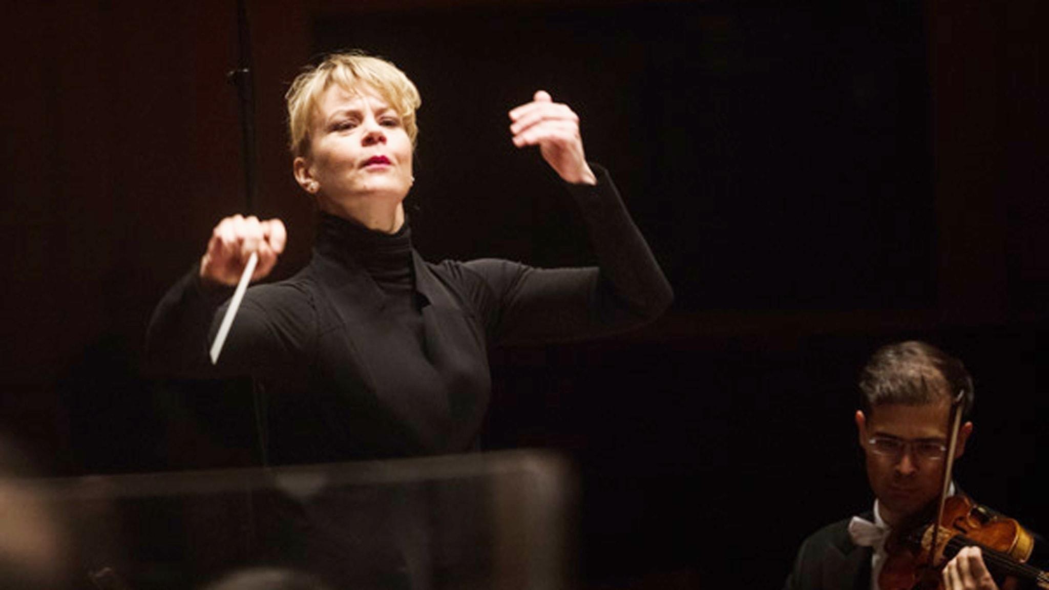 Dirigenten Susanna Mälkki. Foto: Mattias Ahlm/SR.